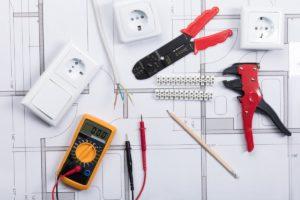 Formation Mise en oeuvre et maintenance d'installations électriques comprenant des modules de commande, protection et sécurité