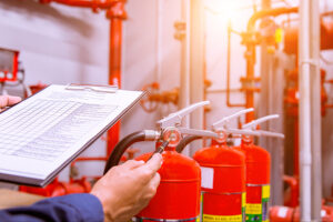 Formation incendie obligatoire en entreprise : extincteurs et évacuation